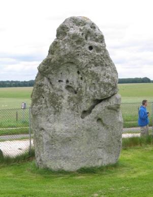 Stonehenge_Heelstone